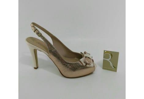 Zapato despuntado y destalonado nude