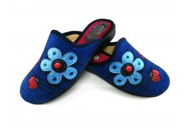 Zapa casa azul flor