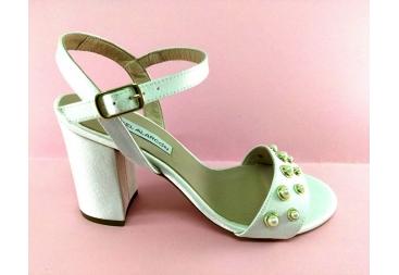 Sandalia B raso perlas