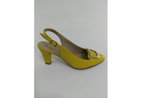 Zapato destalonado hebilla amarillo