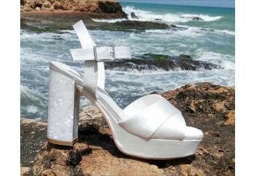 sandalia blanco perlado