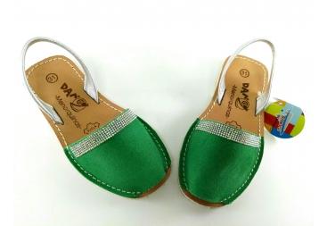 Menorquinas en verde con brillantes paqueños