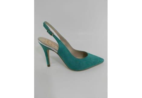 Zapato destalonado y punta aqua