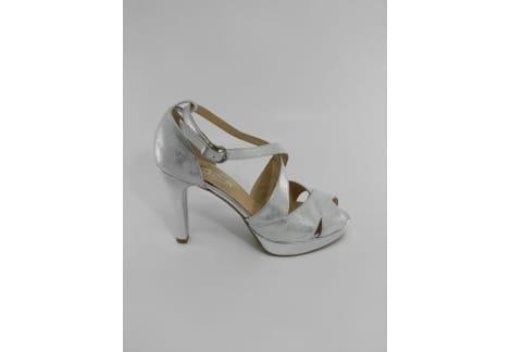 Sandalia piel plata