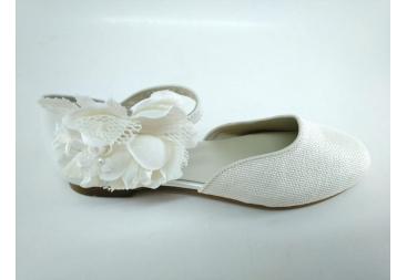 Zapato color hueso lino niña