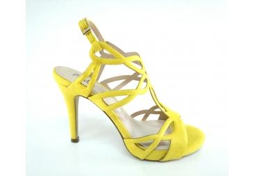 Sandalia ante amarillo Menbur