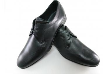 Zapato color negro Bearchi