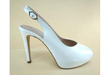 zapato nacarado blanco