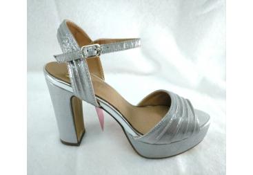 Sandalia en color plata