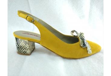 Zapato en antelina piel Laura Amat