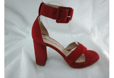Sandalia en ante rojo Alarcón