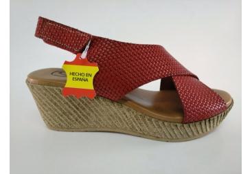 Sandalia cruzada en rojo SPK
