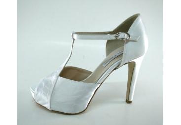 Sandalia seda blanca grabada