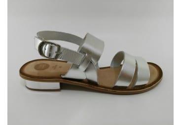 Sandalia piel tiras plata