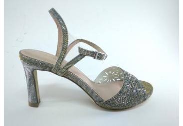 Sandalia de señora plata vieja