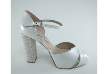 Alarcón sandalia en piel beige