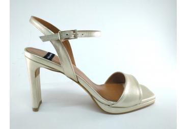 Alarcón sandalia de señora dorado