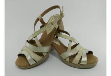 Sandalia piel tiras beig
