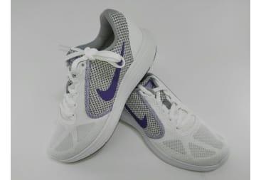 Zapatilla deportiva NIKE blanco/lila