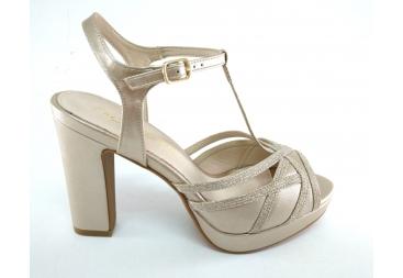 Prestigio sandalia tacón grueso