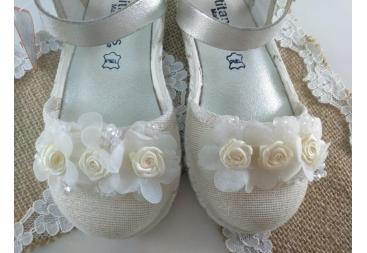 Titanitos zapatilla vestir niña flores