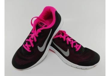 Zapatilla deportiva Nike rejilla negra/fuxia