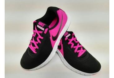 Zapatilla deportiva Nike mitad negro/fuxia