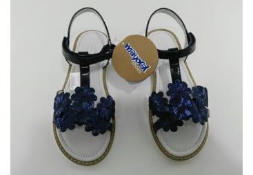Sandalia de tiras charol azul Mayoral