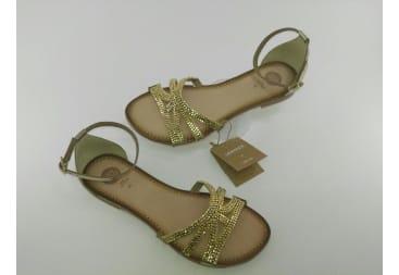 Sandalia de piel tiras doradas