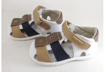 Titanitos sandalia de niño cerrada