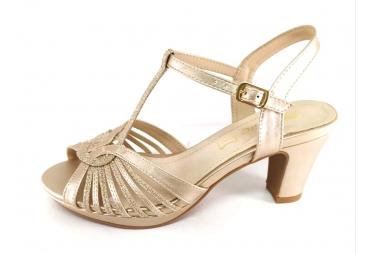 Prestigio sandalia en metalizado platino