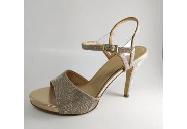 Menbur sandalia brillo oro
